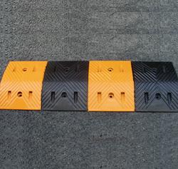 橡胶减速带1