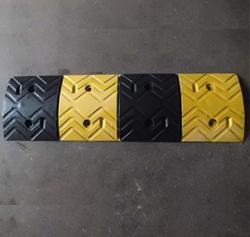 橡胶减速带4